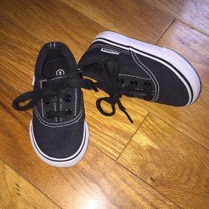 Airwalk   Black Low Top Canvas Shoes Size 5